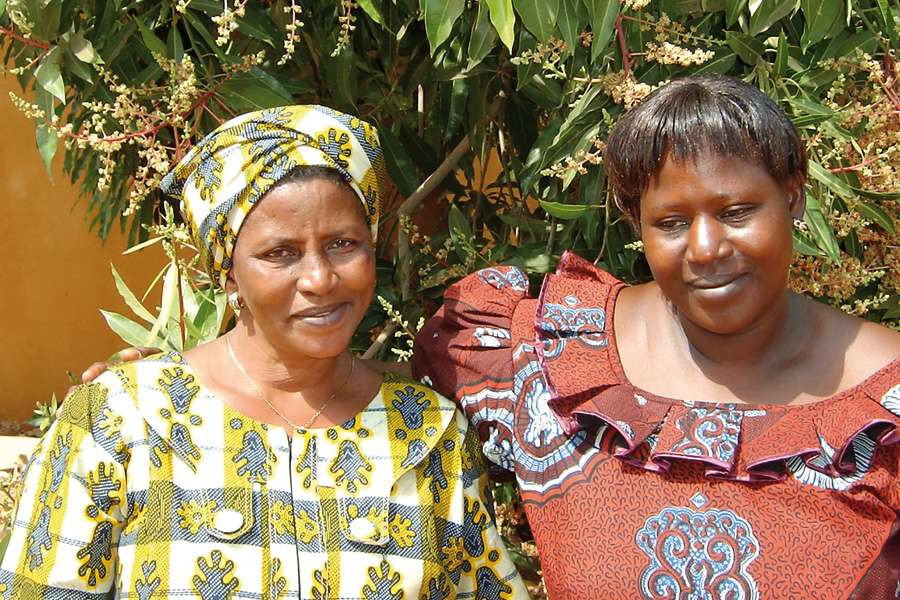 Mme Drabo and Mme Coulibaly –managers of two mango drying groups.