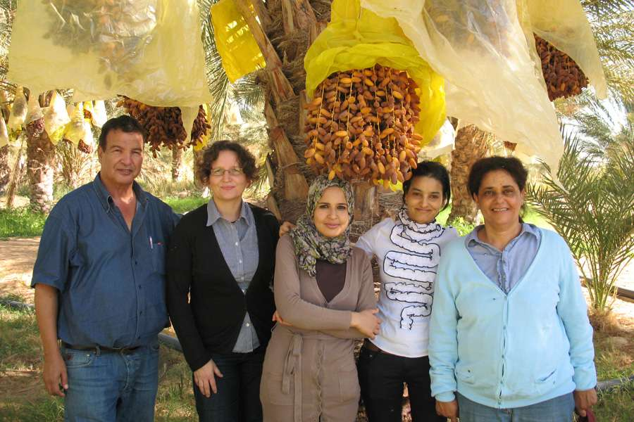 On site visit: Barbara Altmann of Rapunzel (2nd left) with Slaheddine Chibani Sabrine Ben Ali, Hana Omrane and Samia Chibani Chibani of CCF (from left)