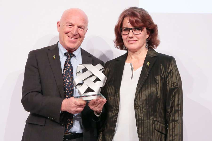 Managing director, Ms. Margit Epple and founder and managing director Joseph Wilhelm received the CSR Award of the German Federal Government in Berlin. Photo: T.Maelsa/BMAS