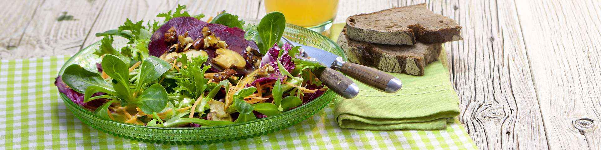 bio rezept omega3 salat mit kr uter hanf l dressing und. Black Bedroom Furniture Sets. Home Design Ideas
