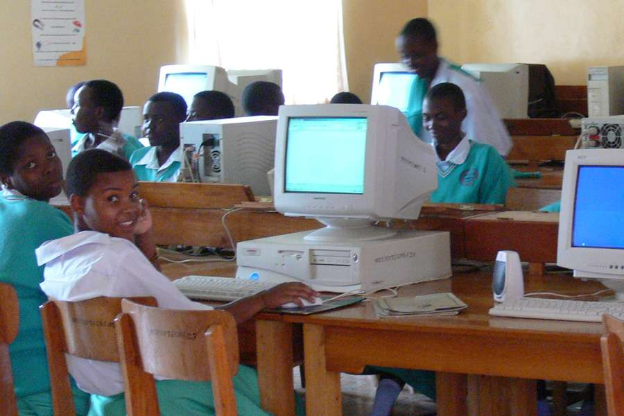 computer lab at Hekima girls' school