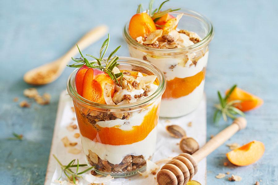 Aprikosen-Rosmarin-Joghurt