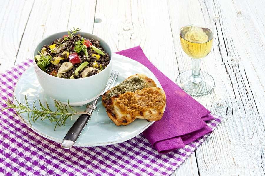 bio rezept von attila hildmann beluga linsen salat mit artischocken mit senf mandel kr uter. Black Bedroom Furniture Sets. Home Design Ideas