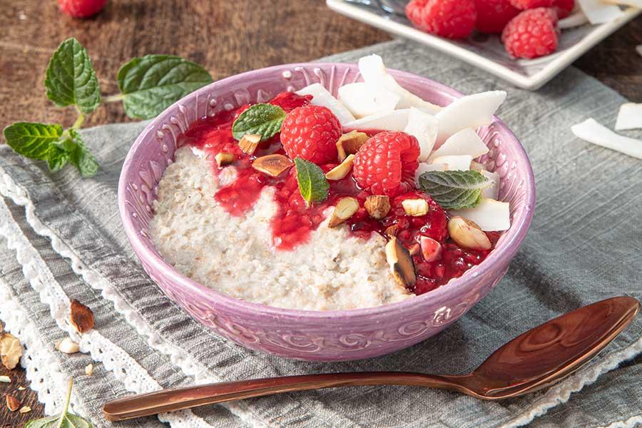 Buchweizen-Beeren-Porridge