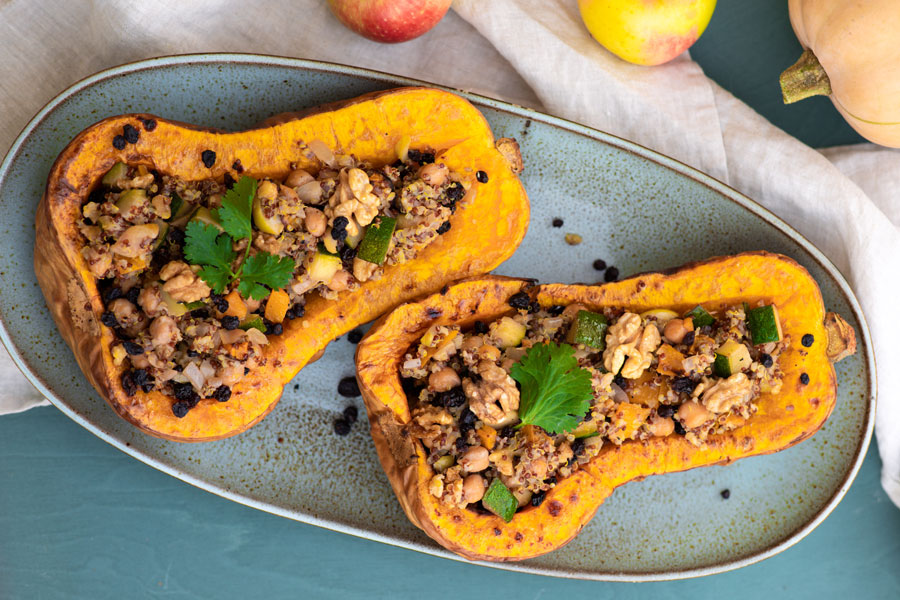 11.10.2018: Baked butternut squash with quinoa, veggies, chickpea and currant