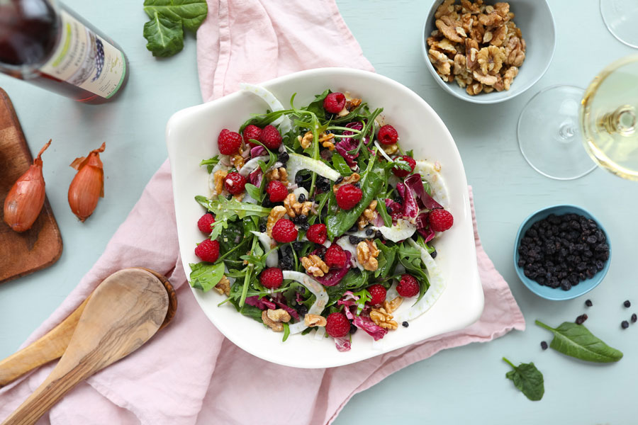 30.03.2019: Spring salad with fennel, walnuts, and raspberries