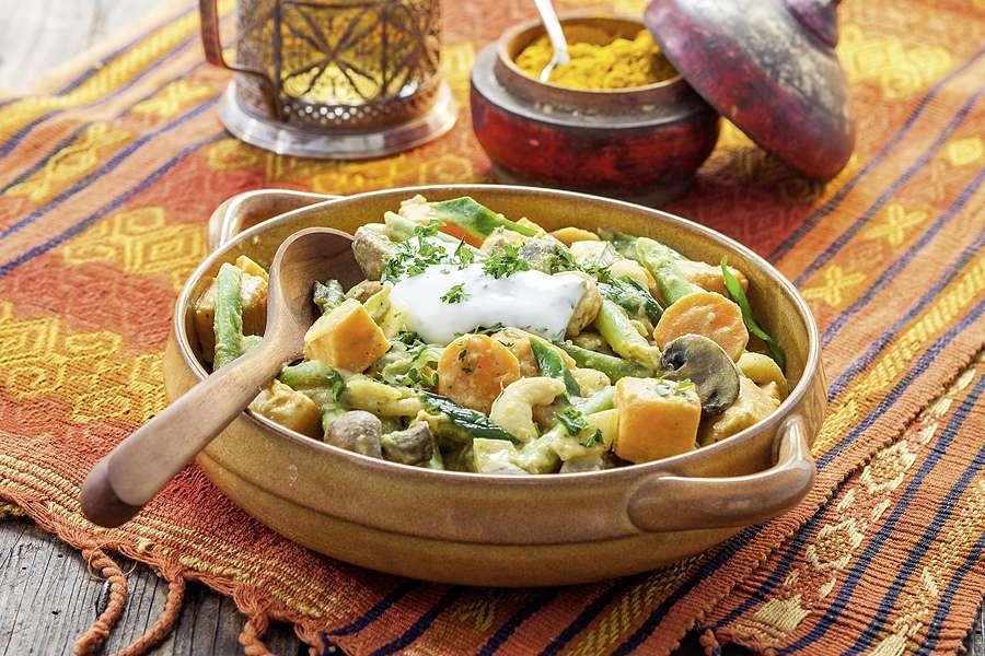 Gemüsecurry mit Süßkartoffeln und Cashews