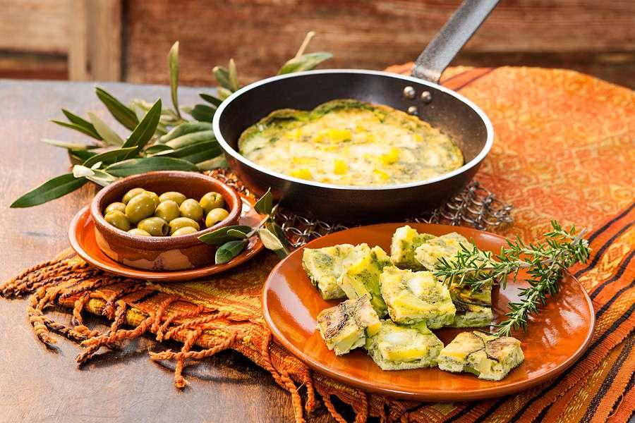 Grüne Tortilla mit Zucchini und Pesto