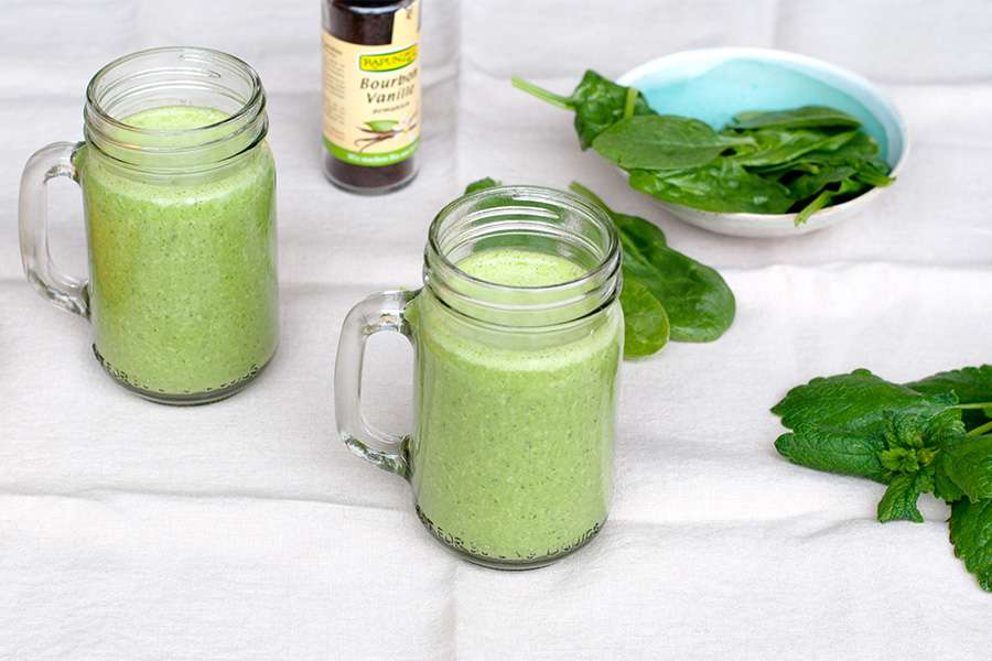 Green smoothie with Almond Butter and Mint