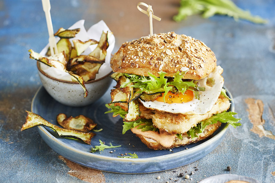 Halloumi fried egg burger