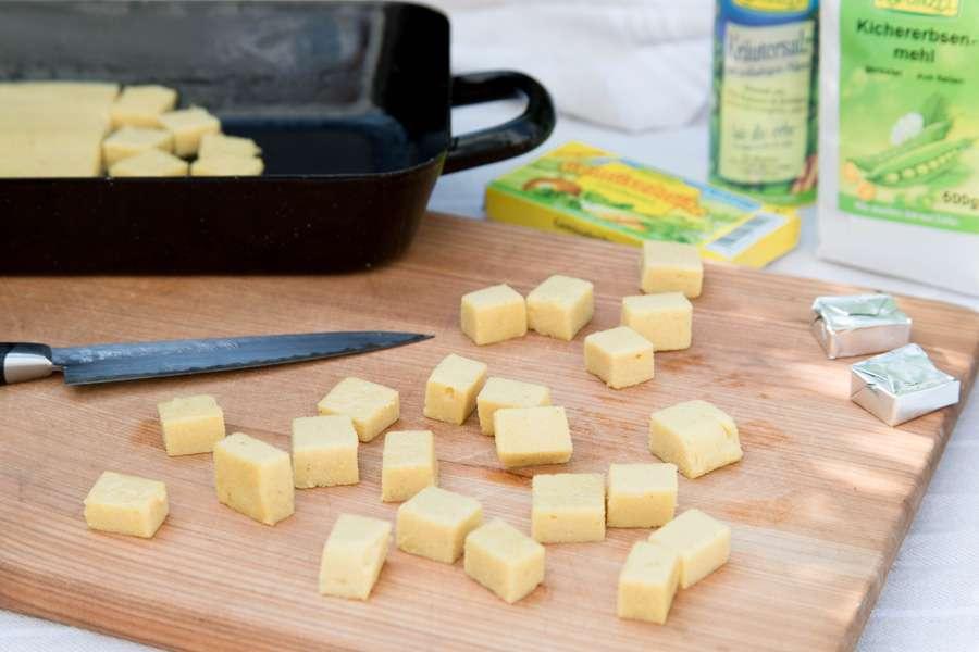 Tofu aus Kichererbsenmehl