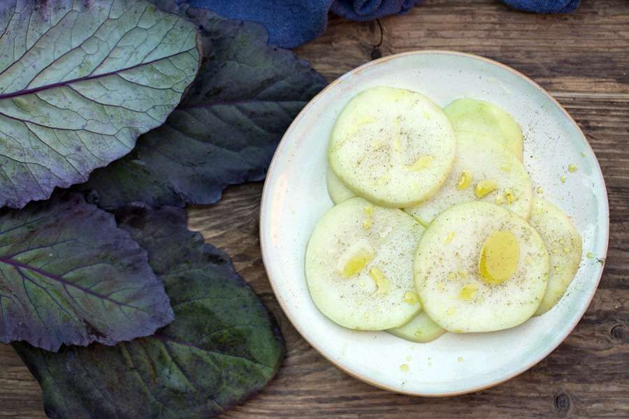 Turnips with linseed-, hemp- and pumpkin seed oil