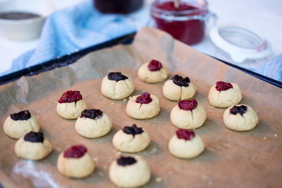 21.12.2016: Chia Jam Thumbprint Shortbread Cookies with Ghee