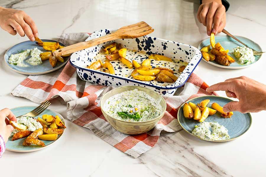 Kartoffel Wedges mit Kräuterquark