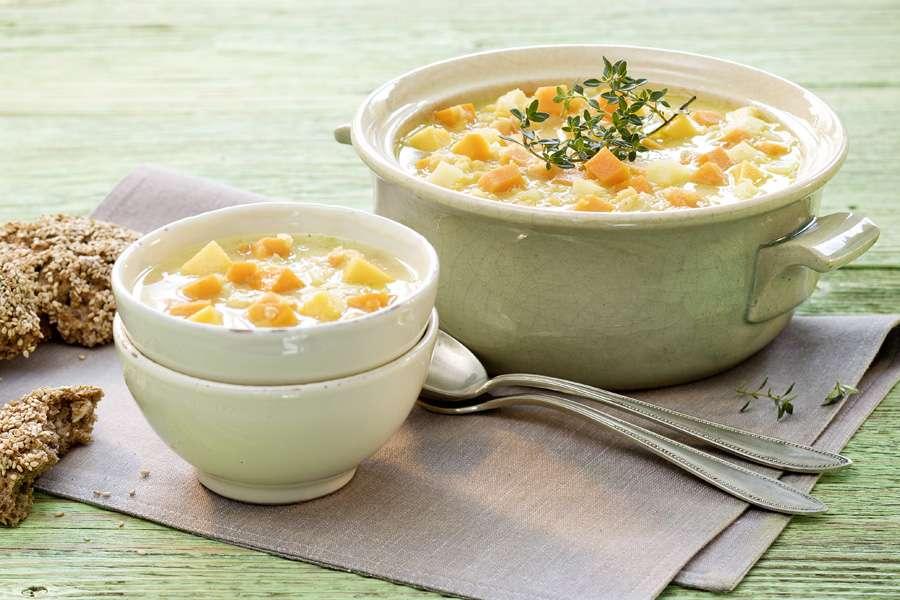 Süßkartoffel-Linsen-Suppe mit Kokosmilch