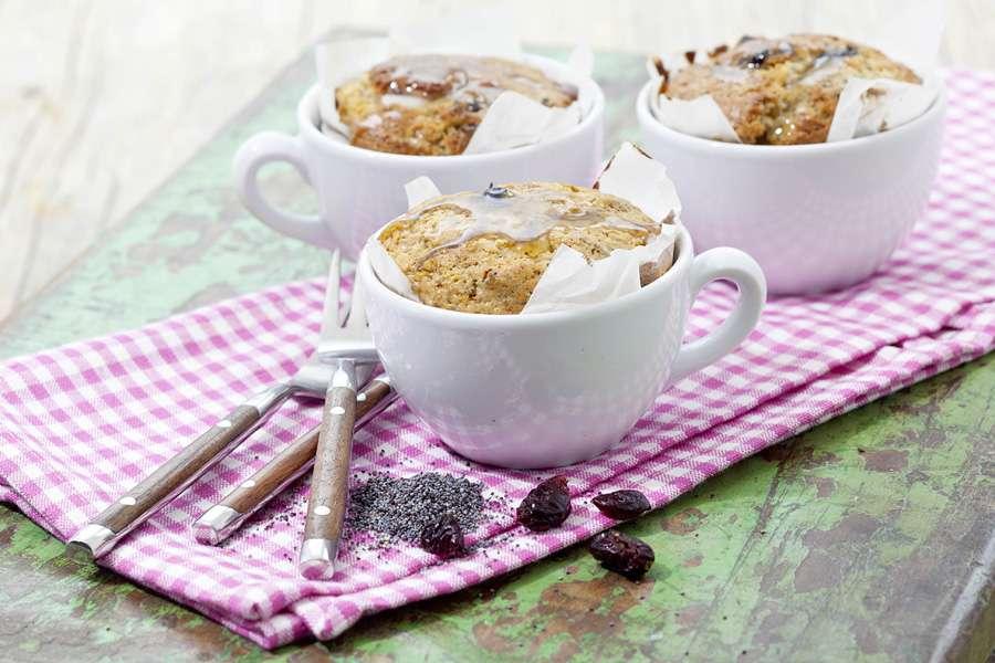 Mohn-Tassenkuchen mit Cranberries