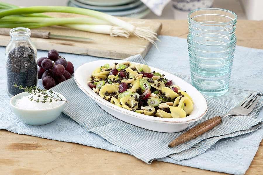 Orecchiette mit Balsamico-Linsen und Weintrauben
