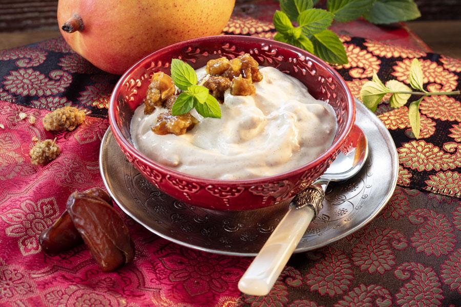 Orientalisches Dessert mit Rapunzel Mischmus 4 Nuts
