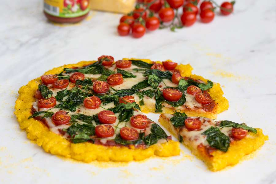 13.09.2017: Polenta pizza with spinach and cherry tomatoes