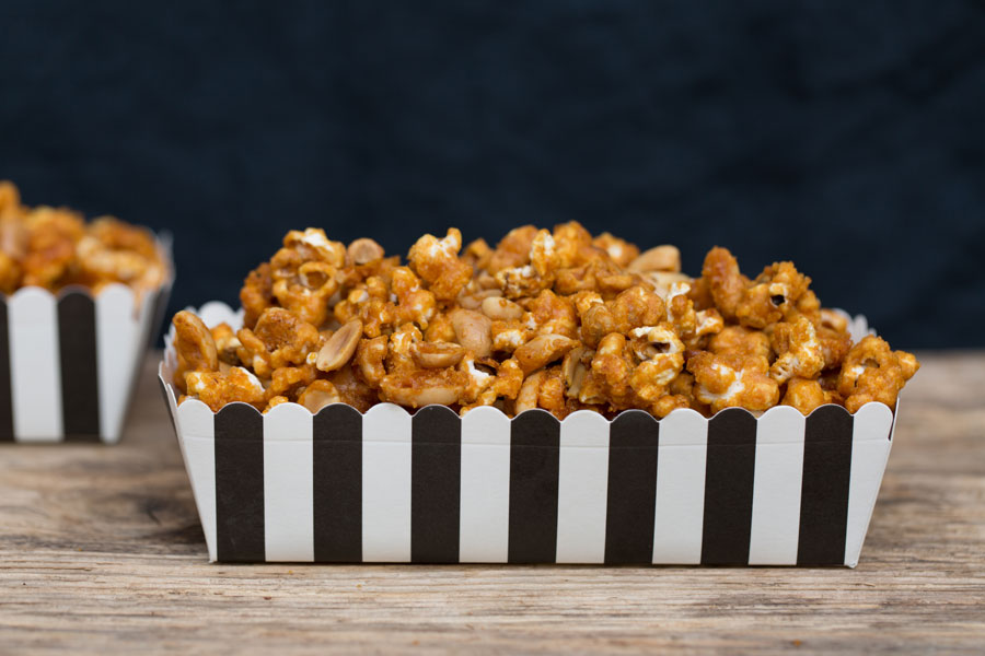 28.12.2018: Toffee flavor popcorn with peanuts, vegan