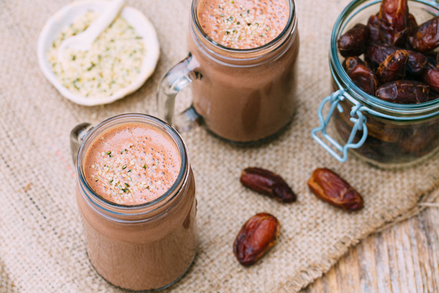 10.02.2019: Protein smoothie with hemp seeds and cocoa