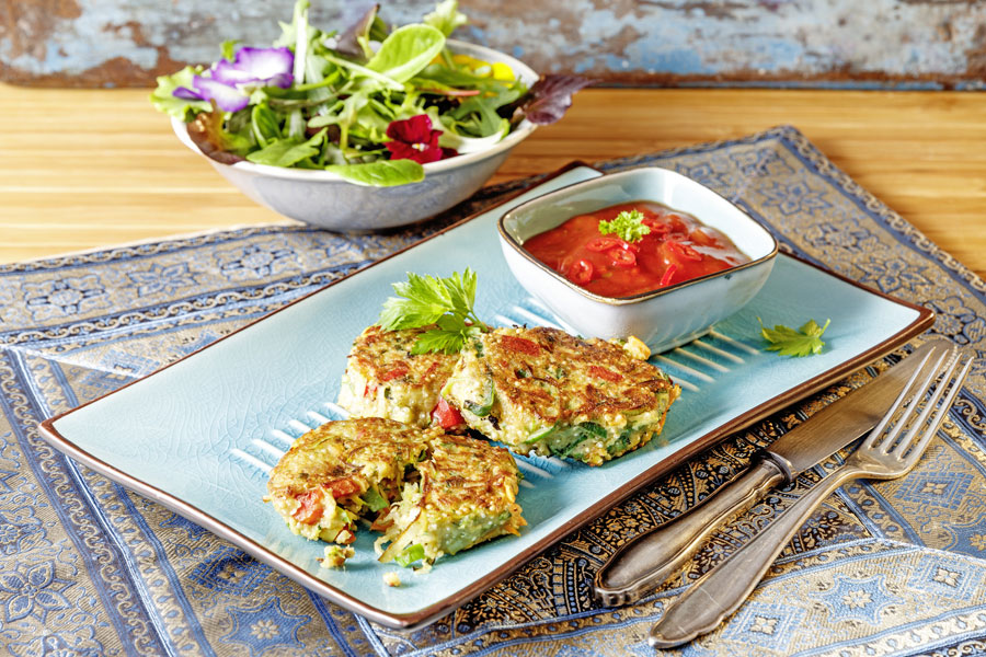 Quinoa-Gemüse-Bratling mit Tahin