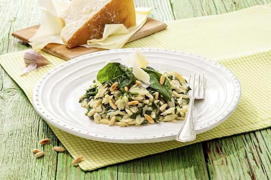 Risoni mit Gorgonzola und Blattspinat