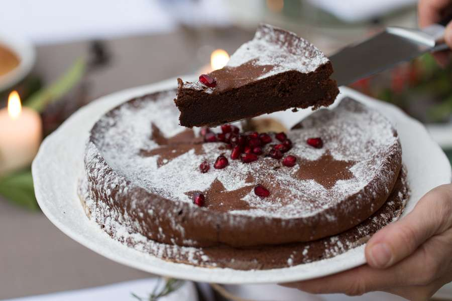 Flourless chocolate cake with coconut blossom sugar