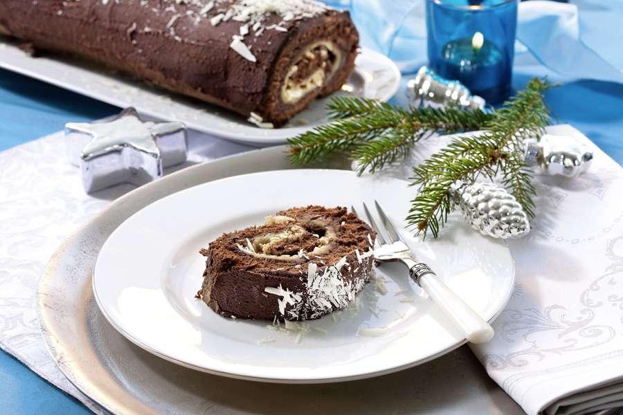 Schokoladen-Marzipan Roulade