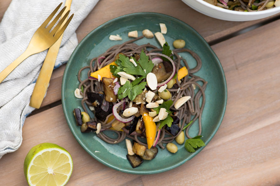 Warm Buckwheat noodles with aubergines and mango