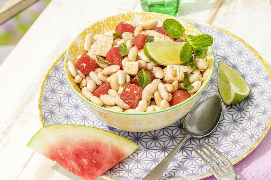 Weißer Bohnensalat mit Feta, Melone und frischer Minze