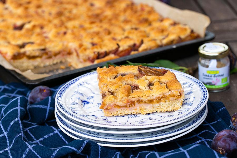 Klassischer Pflaumenkuchen vom Blech, vegan
